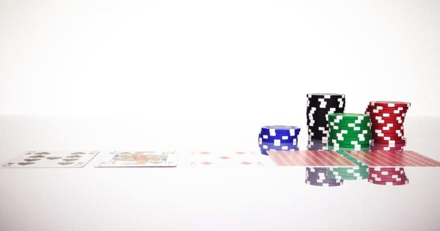 Förstå Blackjack Soft 17-regeln i onlinespel