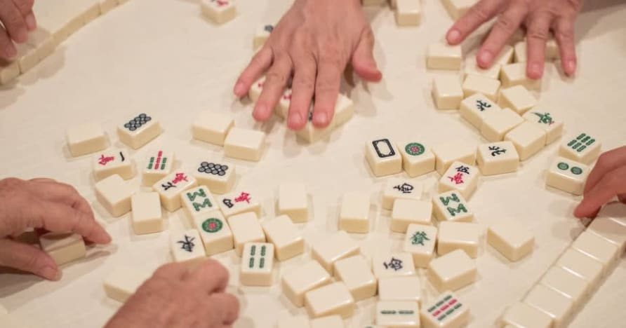 Kort historia om Mahjong och hur man spelar det